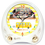 C35-bus-yellow-group-photo-melody-alarm-clock